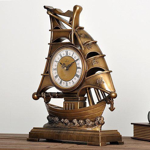 Часы настольные Парусник
